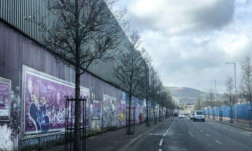 Cerita Dibalik Berdirinya Dinding Perdamaian di Irlandia Utara